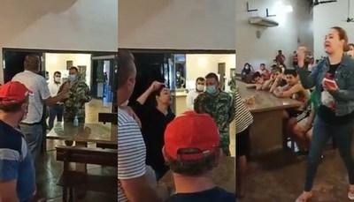 Escrachan a mujer en cuarentena que maltrató a militar