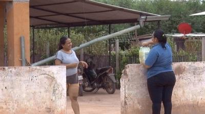 Entregan kits de víveres a familias vulnerables del distrito de Loma Plata