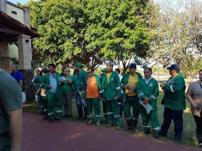 Planean pagar el 50% del salario a funcionarios de la Municipalidad de San Lorenzo