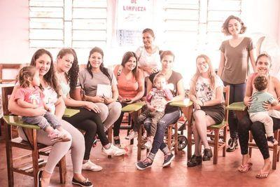 Piden ayuda para madres adolescentes de Cateura