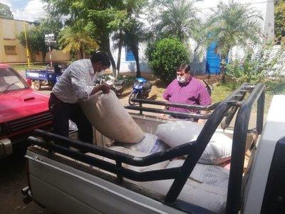 Pequeños productores donan 500 kilos de arroz a afectados por Covid-19