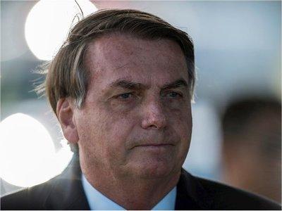 Facebook también excluye video de Bolsonaro en que cuestiona aislamiento