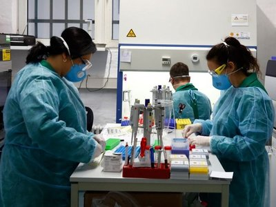 La ciencia trabaja en 20 vacunas y en 30 medicamentos potenciales