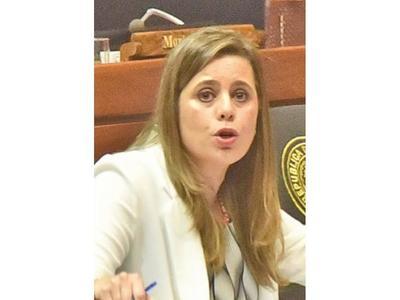 Kattya pide sesión conjunta para tratar reforma