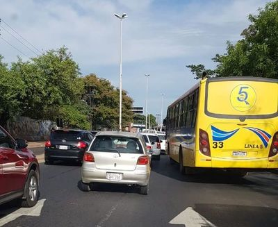 """Mucho tráfico en el segundo día de """"flexibilidad"""" para gestiones"""