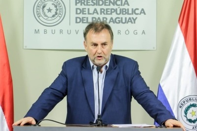 Ministro de Hacienda aclara que no se aplicará el recorte de salarios