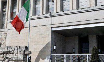Italia pone sus banderas a media asta en señal de duelo ante la pandemia