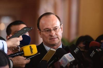 """Director paraguayo de Itaipú """"insta a adherirse al mandato del Ejecutivo"""""""