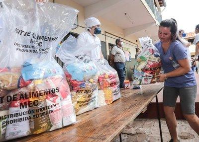 FENAES apoya entrega de kits de alimentos a alumnos, pero pide que militares los repartan