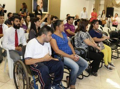Personas con discapacidad también están afectadas económicamente