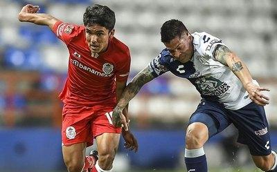 Pachuca recorta el salario de Iturbe
