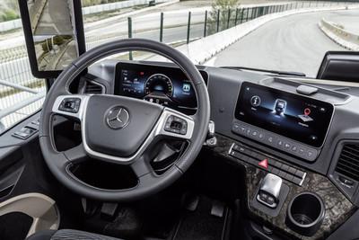 El camión Mercedes-Benz Actros marca el adiós a los espejos retrovisores y a lo analógico