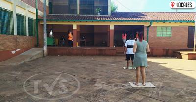 Escuela 640 del B° San Isidro inició con la entrega de la merienda escolar