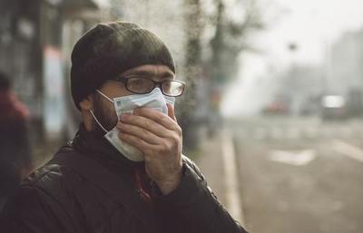 Es recomendable usar tapabocas porque uno no sabe quién tiene el coronavirus, refiere doctor