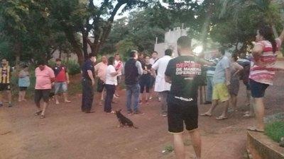 Vecinos lalaron contra un grupo de los aislados