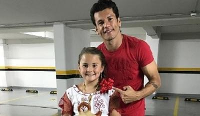Nelson Haedo emocionado ante los 12 años de su hija