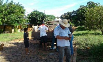 Agricultor repartió 2.000 kilos de mandioca a familias necesitadas