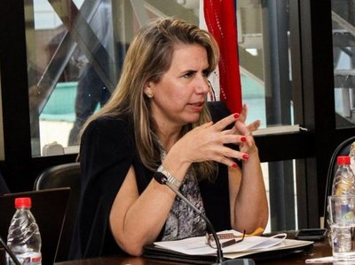Ministra estima que créditos para mipymes estarán disponibles después del 12 de abril