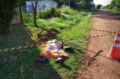 Anciano de 73 años, afectado por cuadro respiratorio, se desploma y muere en calle de Encarnación