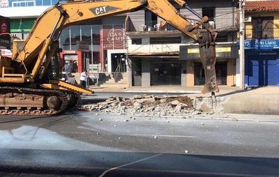 MOPC inició la demolición de las obras del Metrobús