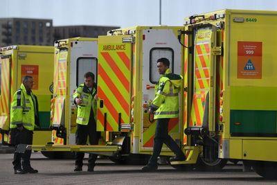 Más de 500 muertos en un día por coronavirus en el Reino Unido, 2.352 en total