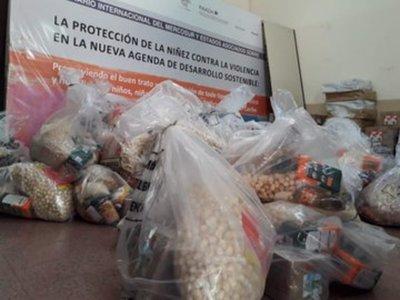 Beneficiarios del Programa Abrazo del MINNA reciben kits de alimentos