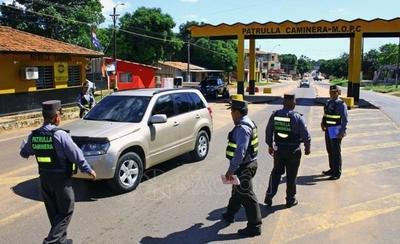 HOY / Euclides Acevedo, ministro del Interior, manifestó que los controles de autos serán rigurosos y que hay que prepararse para el peor escenario durante la cuarentena