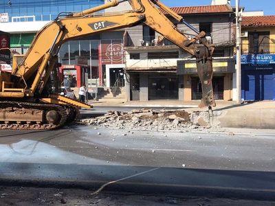 Caso despilfarro por obras del Metrobús sigue congelado en la Fiscalía