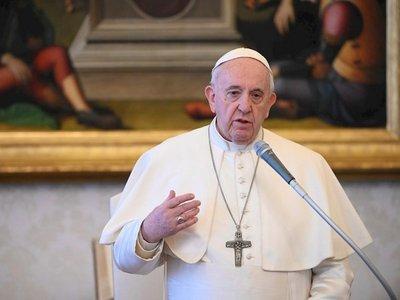 El papa reza por los medios de comunicación que ayudan a no sentirse aislados