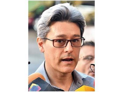 Tribunal multa a Camilo y Guachiré