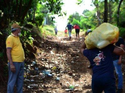 Crece el malestar en CDE por  lenta distribución de bolsas de alimentos