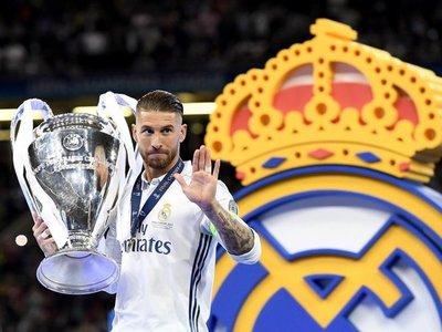 Ramos presume de 'Champions' ante una acción en redes del Ajax