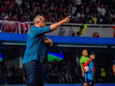 Francisco Arce festeja su cumpleaños número 49