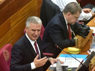 Bacchetta: Ejecutivo rechazará versión Senado sobre uso de royalties contra el Covid-19