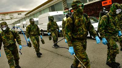 España vuelve a superar su record de muertos en un día por coronavirus: 950 personas
