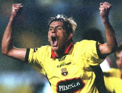 Héctor Blanco alienta a los hinchas del Barcelona de Guayaquil