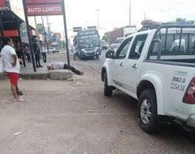 HOY / Tres personas se desvanecieron en la vía pública: una murió