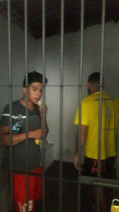Denuncian privilegios a policía detenido por liderar banda de asaltantes