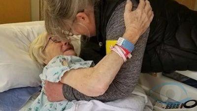 Mujer de 90 años glorifica a Dios tras ser curada de coronavirus