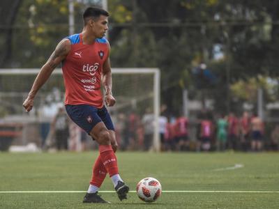 """Julio Dos Santos: """"Me gustaría volver a salir campeón con Cerro""""."""