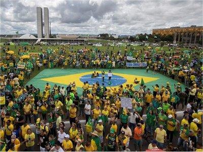 Brasil llega a 299 muertos y 7.910 casos confirmados de Covid-19