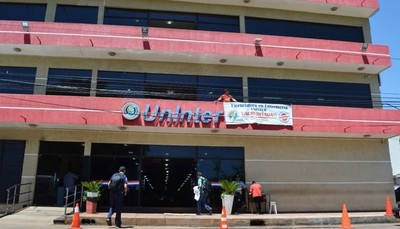 Estudiantes de UNINTER piden postergación del semestre y no pagar cuotas