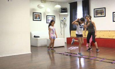 Recomiendan bailes, juegos, circuitos, actividad física en cuarentena