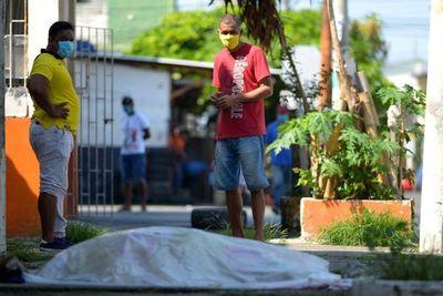 40% de pacientes de coronavirus incumplieron aislamiento en Ecuador, dice Moreno