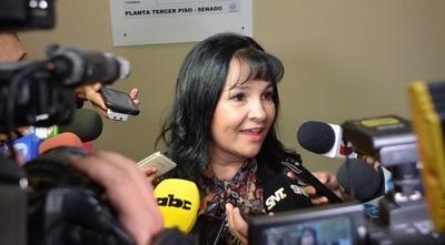 Efraín Alegre pide pérdida de investidura de la Senadora María Eugenia Bajac