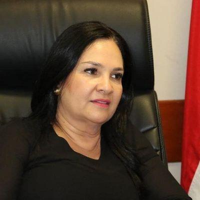 Ciudadanía pide la renuncia de la senadora Bajac