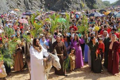 Vía Crucis en el cerro Ñemby llega a la pantalla chica