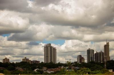 Domingo caluroso y nublado, anuncia Meteorología