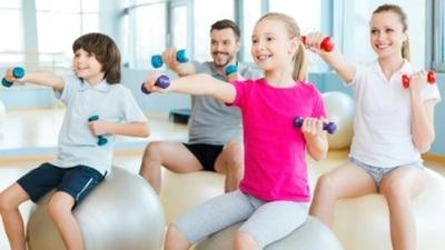 Recomiendan actividad física de distintos niveles para practicar en casa