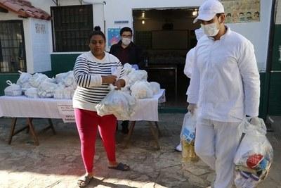 Volverán a entregar kits de alimentos en zonas vulnerables este martes